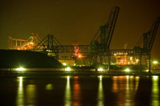 川崎の工場夜景 D90+18-105mm