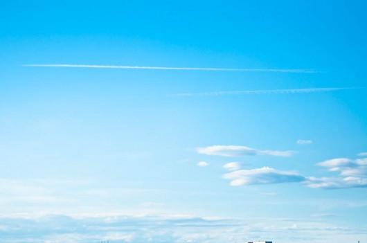 ひこうき雲 TAMRON90mm+D90