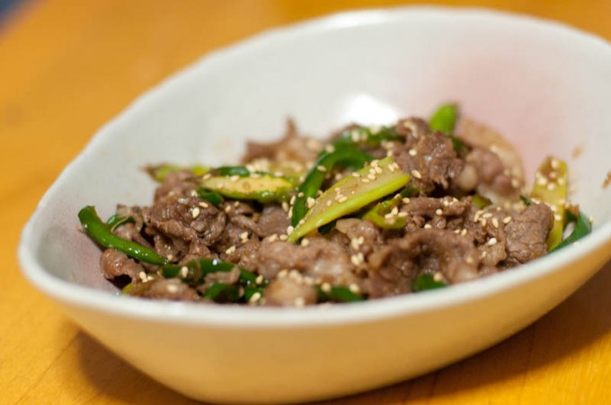 牛肉とアスパラとピーマンの炒め物