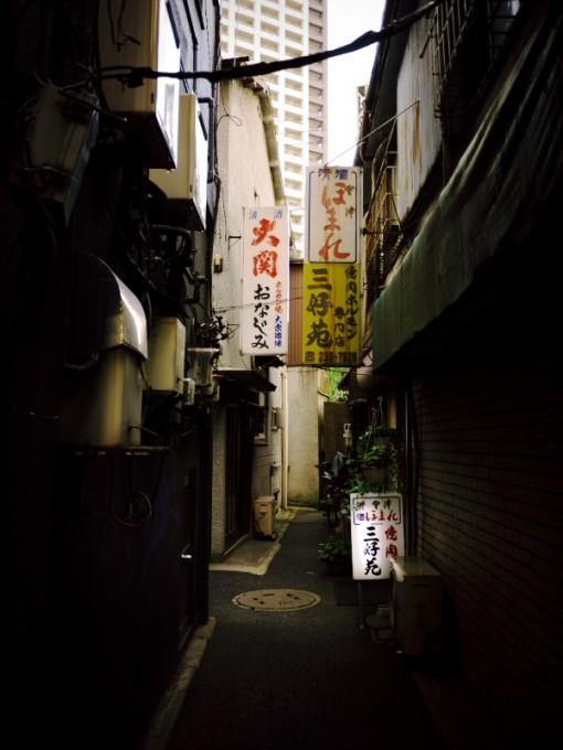 路地裏 by GF2 14mm F2.5